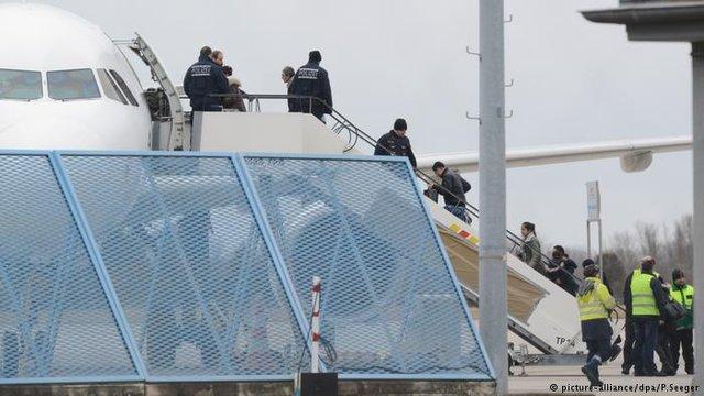 هشدار عفو بین الملل نسبت به اخراج پناهجویان افغان از آلمان
