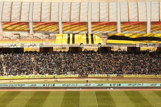 استادیوم نقش دنیا پر شد، 5000 نفر پشت در ماندند