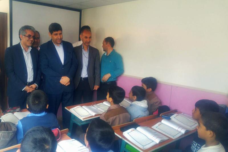 بازدید مدیرعامل خبرنگاران از مدارس کانکسی شهرستان سیل زده آق قلا