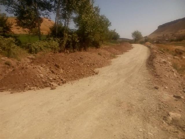 شروع عملیات زیرسازی و آسفالت جهت گردشگری آبشار روستای آبگرم در کلات