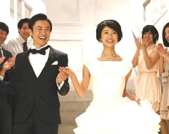 مرد ژاپنی که بیش از 100 همسر قلابی دارد!