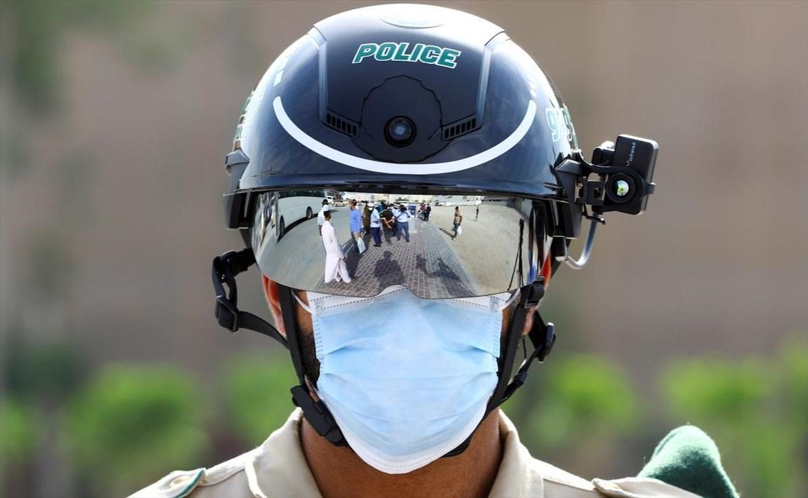 کلاه نظارتی هوشمند، تب افراد را کنترل می کند