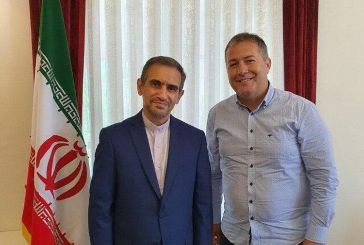 (عکس) دیدار سرمربی تیم ملی و سفیر ایران