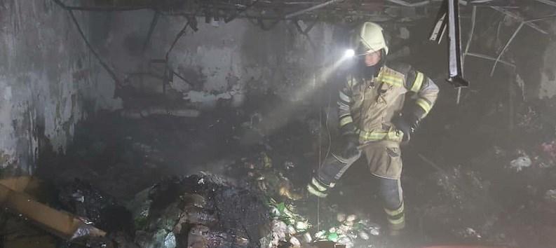 آتش سوزی یک مرکز تجاری در تهران