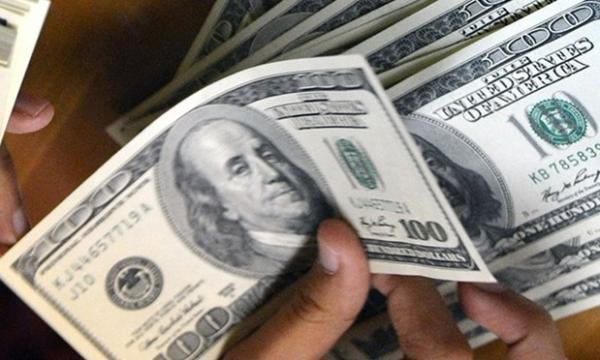 سهم دلار و یورو از حساب ذخیره ارزی روس ها باز هم کاهش یافت